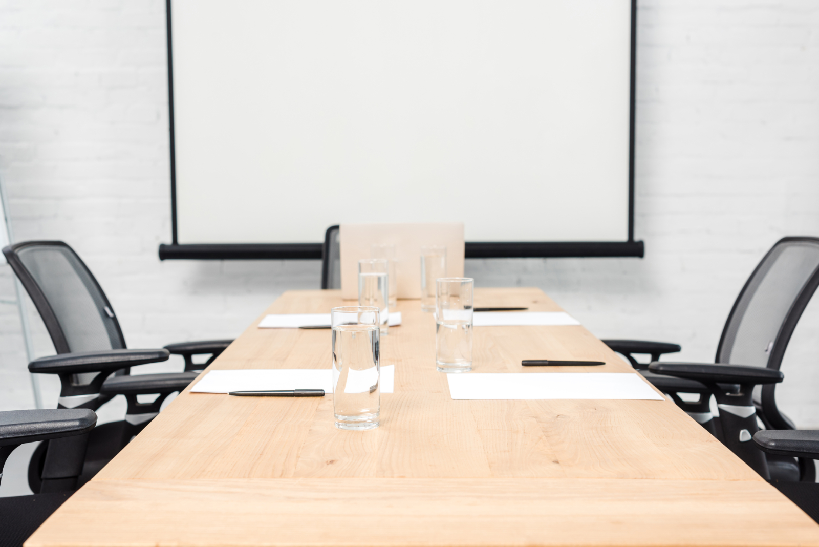 4 Factors to Consider When Renting a Meeting Space